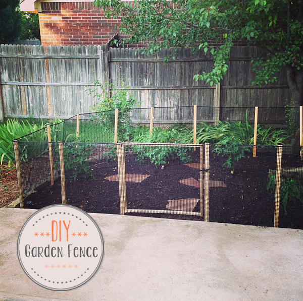 DIY How to make a Garden Fence Oh Everything Handmade LLC