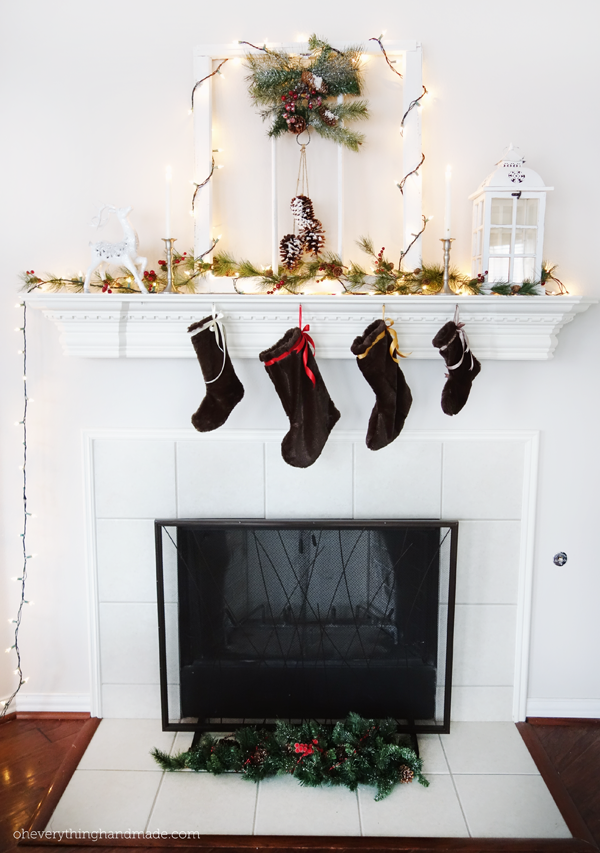 FireplaceChristmasDecor1