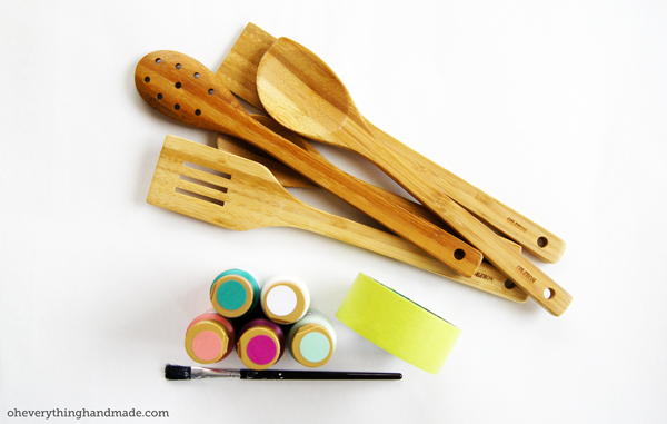 Tool you need to dip paint your wooden spoons