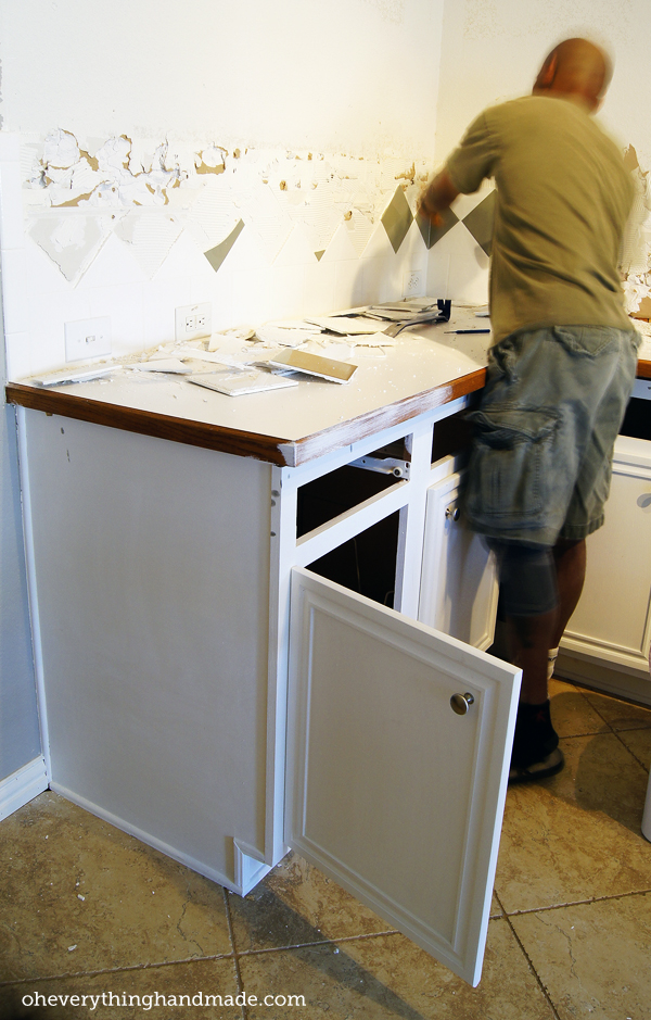how to remove kitchen cabinets without removing countertop 1