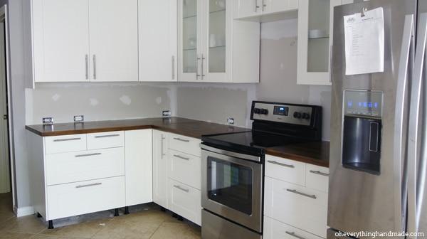 Kitchen before backsplash was added
