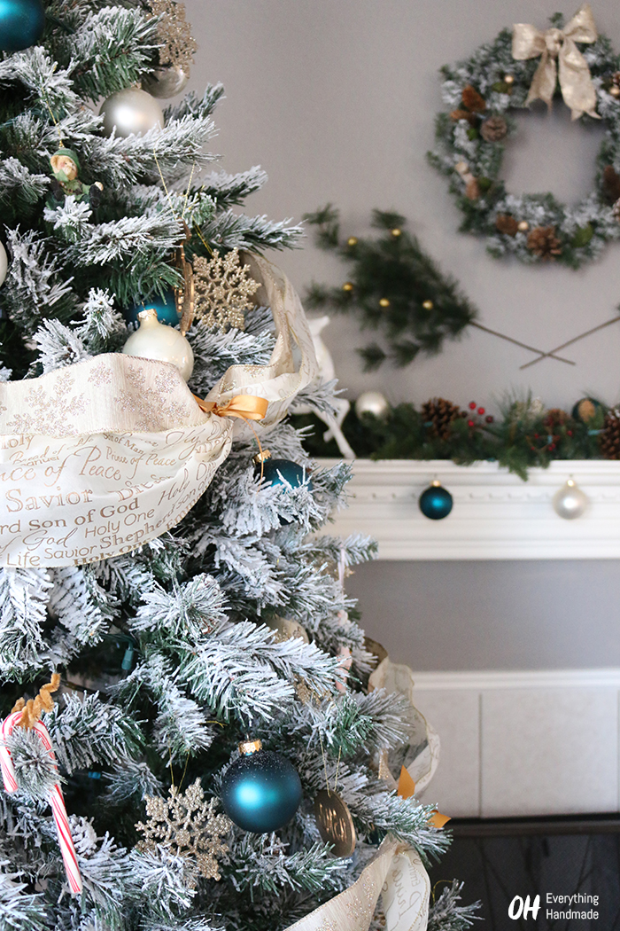 How to flock a christmas tree via oh everything handmade llc how to flock a christmas tree1 solutioingenieria Image collections