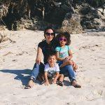 Ie Island - Family on the beach