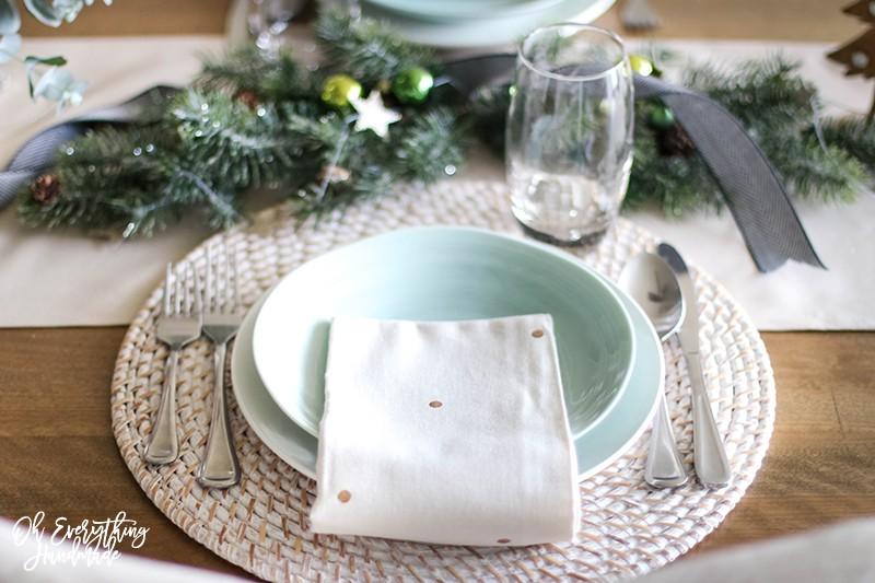 Christmas Table Blog Hop 2015 - oheverythinghandmade Plate Setting