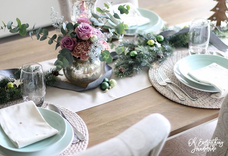 Christmas Table Blog Hop 2015 - oheverythinghandmade Plate Setting1