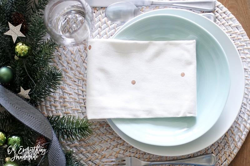 Christmas Table Blog Hop 2015 - oheverythinghandmade Plate Setting8