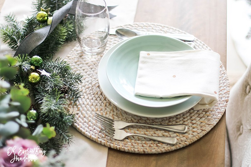 Christmas Table Blog Hop 2015 - oheverythinghandmade Plate Setting9