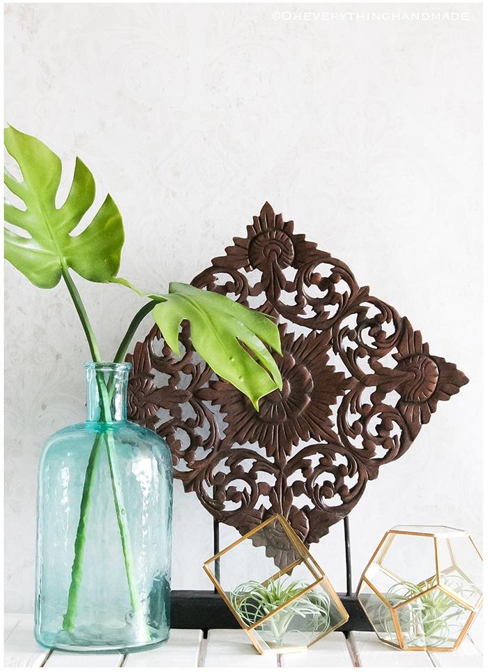 Tropical leaf decor