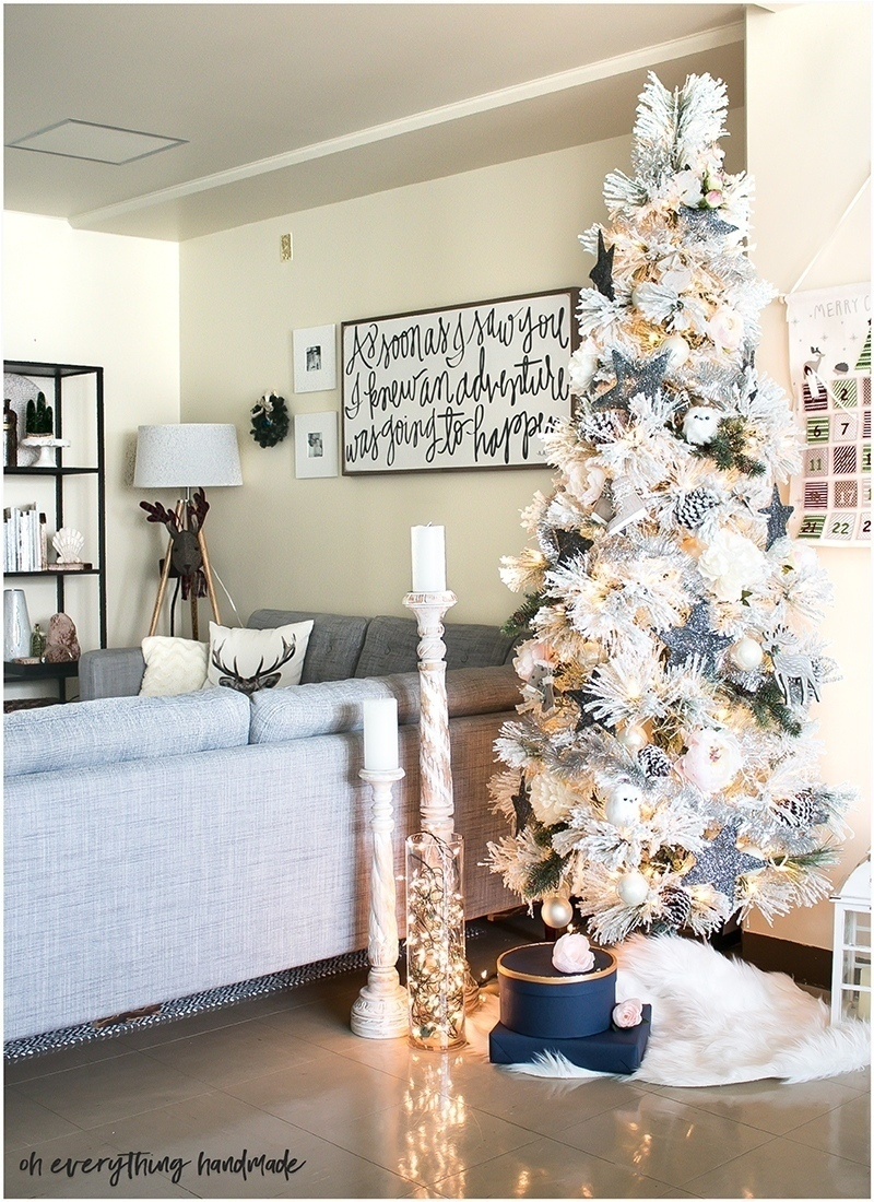christmas-home-tour-2016-oh-everything-handmade-livingroom5