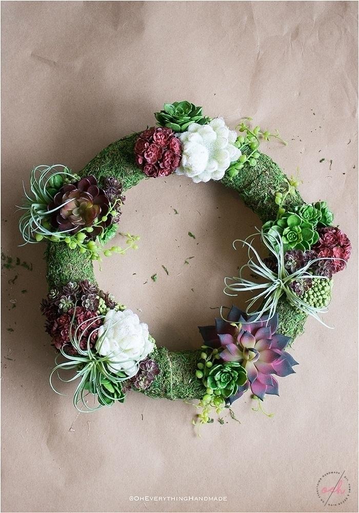 Succulent Wreath DIY - Finished Succulent wreath